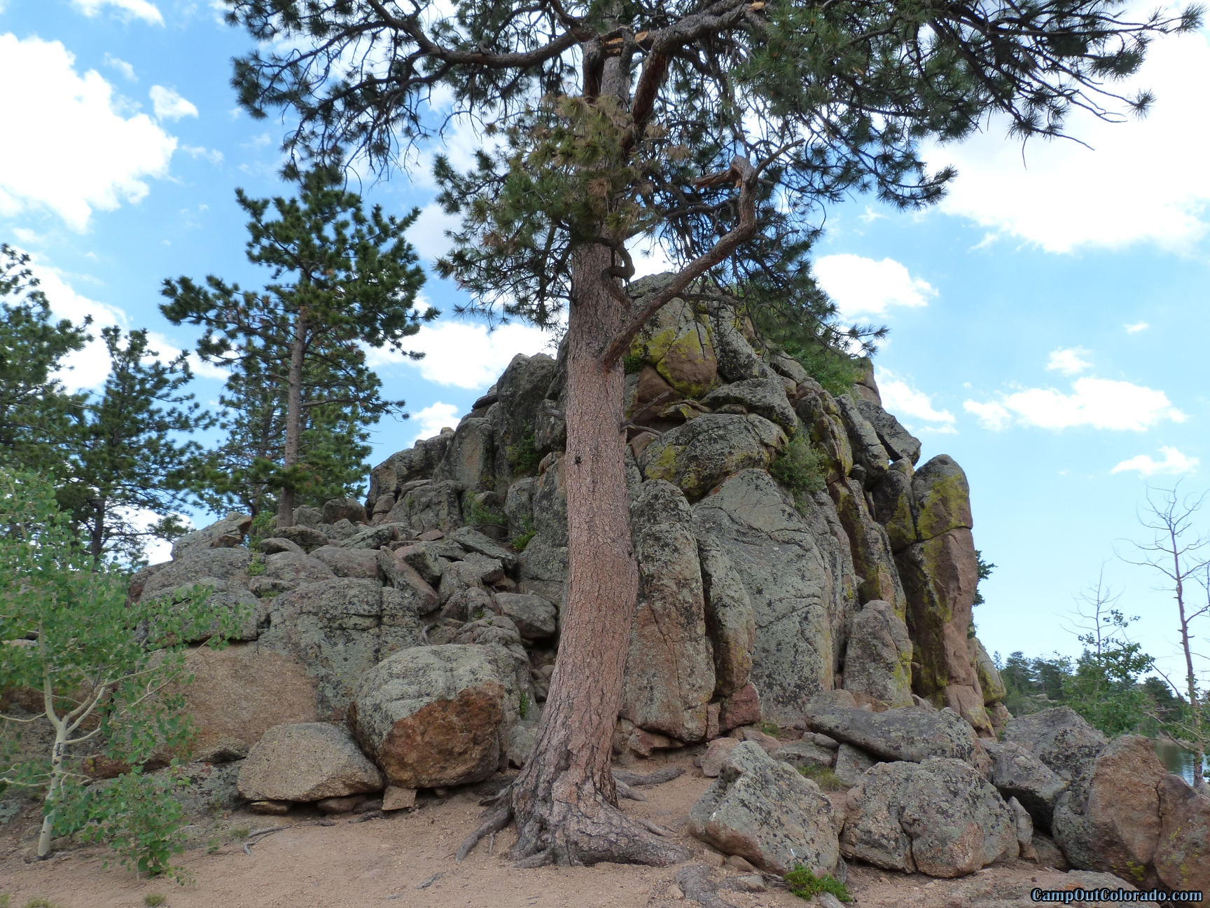 camp-out-colorado-bellaire-lake-good-climbing-rocks