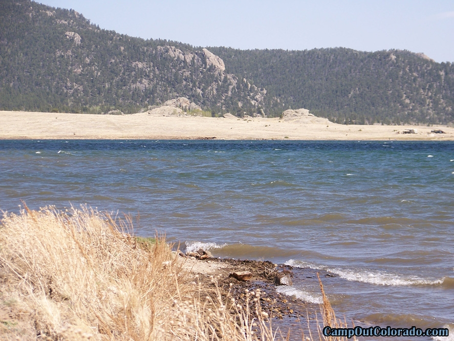 camp-out-colorado-eleven-mile-state-park-lake-shore-waves