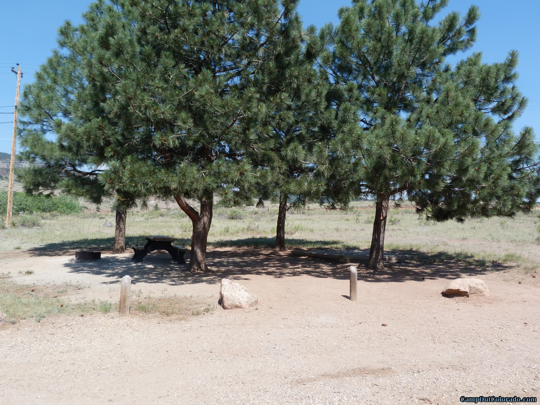 camp-out-colorado-flatirons-reservoir-campsite-with-shade