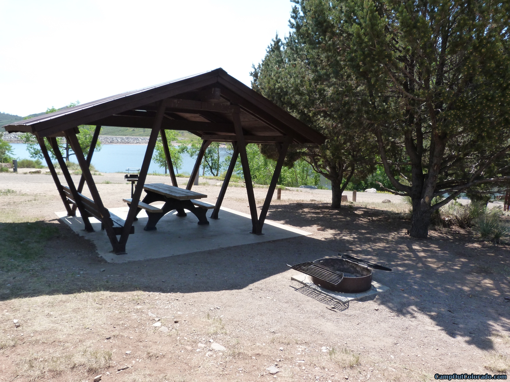 camp-out-colorado-flatirons-reservoir-covered-campsite