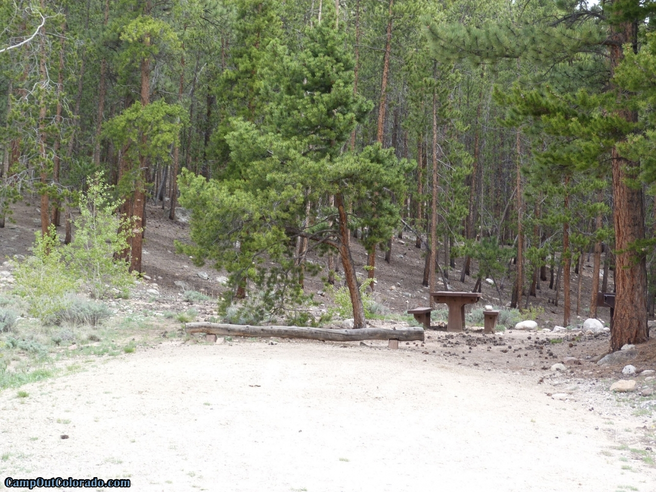 camp-out-colorado-lakeview-campground-flat-parking