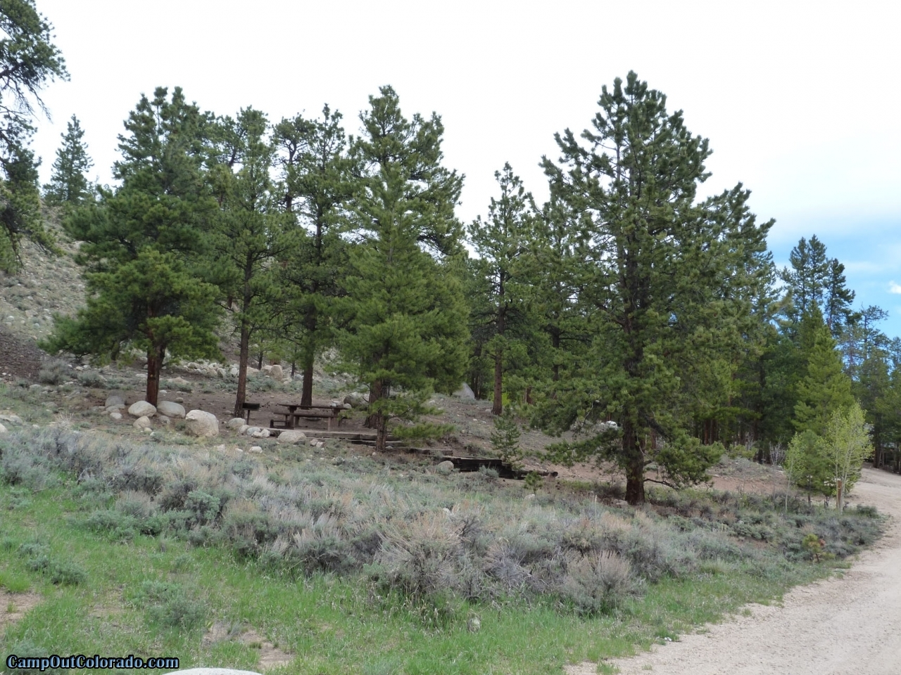 camp-out-colorado-lakeview-campground-up-the-hill