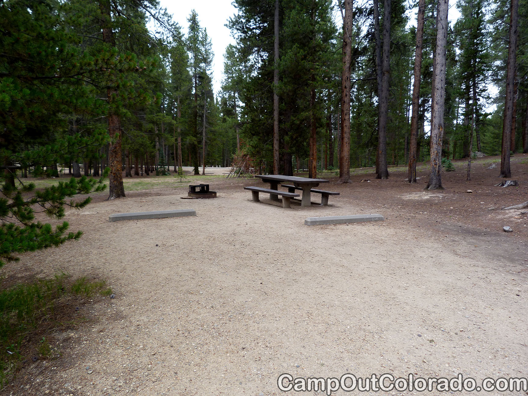 Camp-out-colorado-molly-brown-turquoise-lake-tall-fire-pit