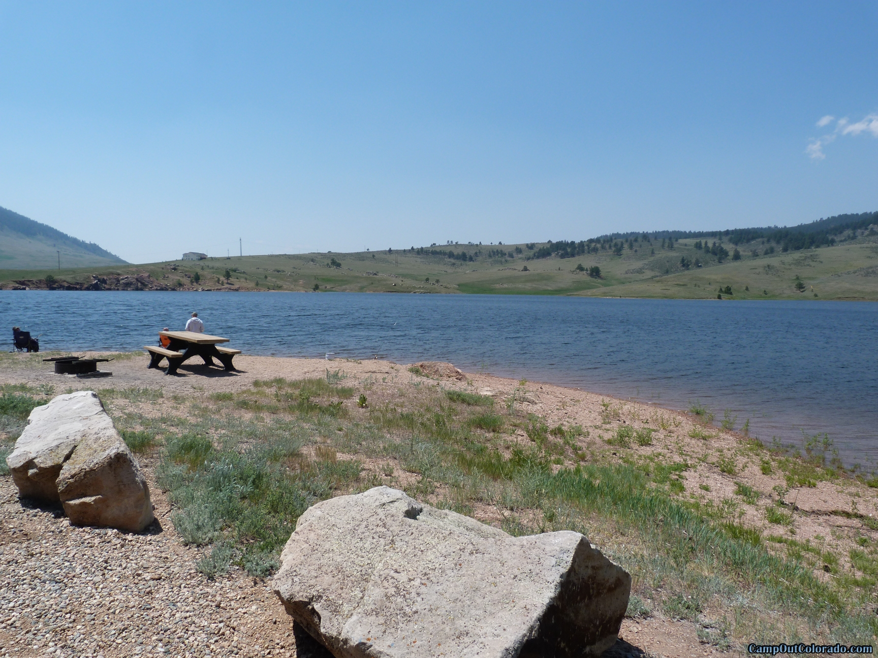 camp-out-colorado-pinewood-day-use-at-lake