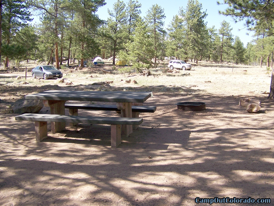 camp-out-colorado-round-mountain-campground-widely-spaced-campsites