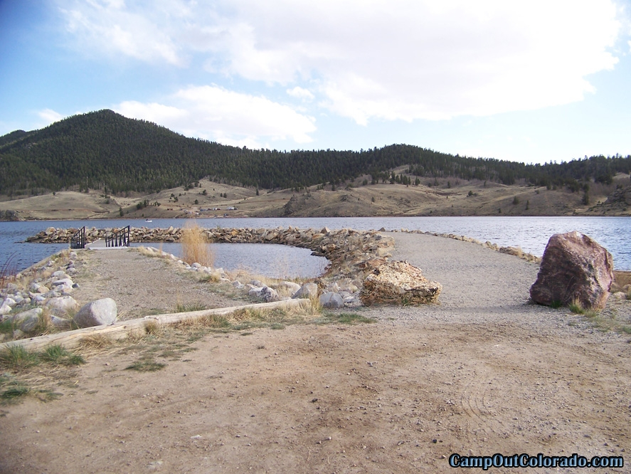 camp-out-colorado-tarryall-reservoir-campground-breakers-boat-dock