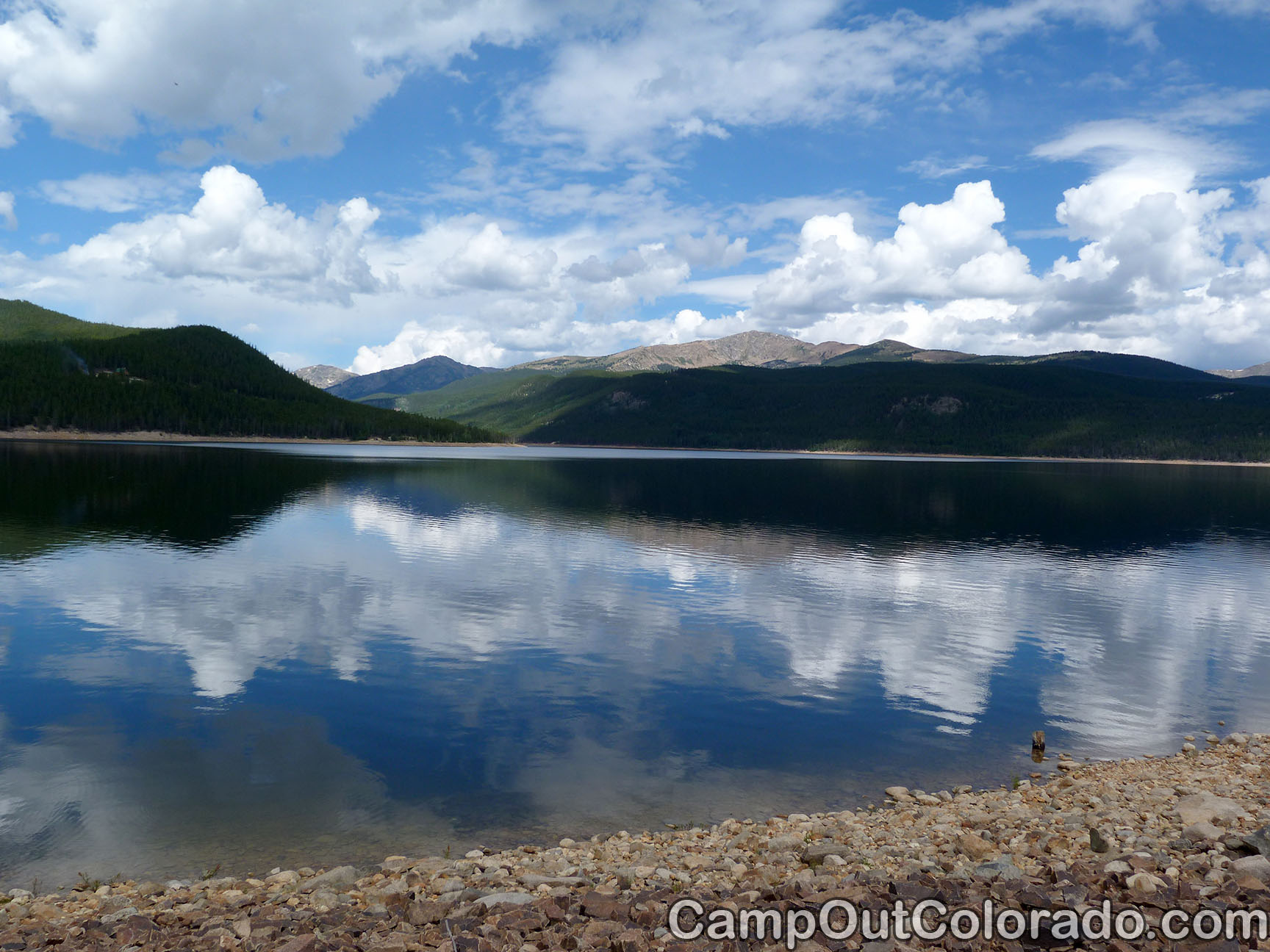 Camp-out-colorado-turquoise-lake-reflect
