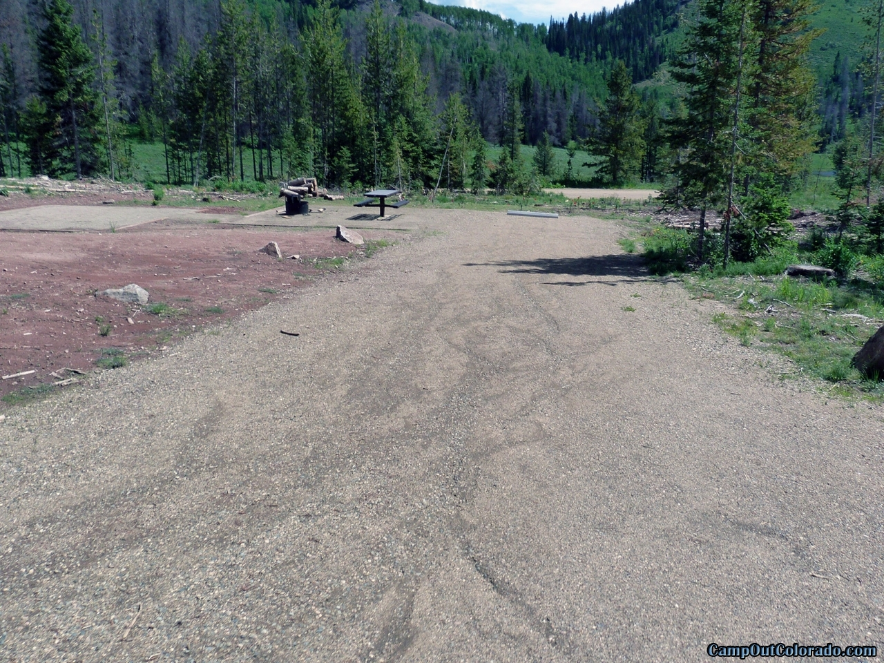 hahns-peak-lake-campground-good-flat-rv-campsite