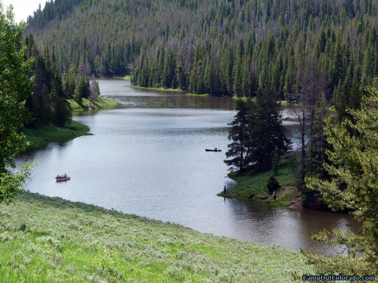 hahns-peak-lake-campground-length-of-lake