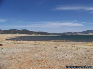 camp-out-colorado-eleven-mile-state-park-easterly-lake-view-from-camping-loop
