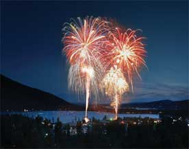 camp-out-colorado-lake-dillon-fireworks