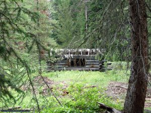camp-out-colorado-ranger-lakes-campground-trapper-log-cabin.jpg