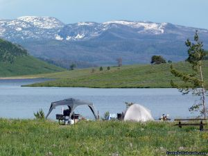 camp-out-colorado-steamboat-lake-near-water-campsite