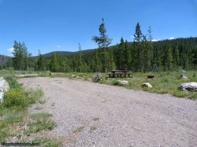 campoutcolorado-meadows-campground-rabbit-ears-rv-campsite