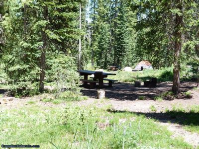 campoutcolorado-meadows-campground-rabbit-ears-spacing