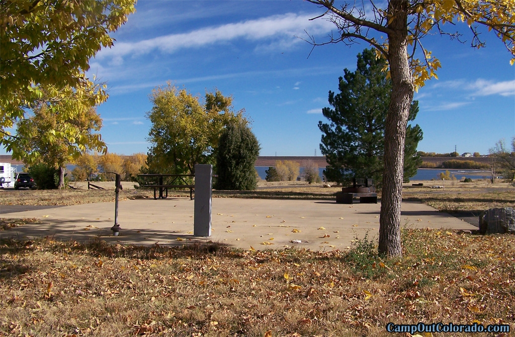 camp-out-colorado-chatfield-trailer-site