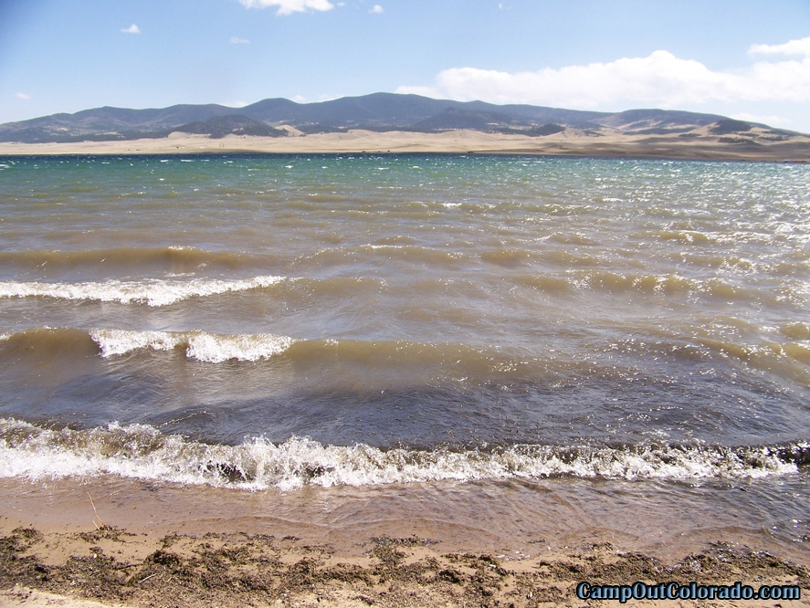 camp-out-colorado-eleven-mile-state-park-rolling-waves