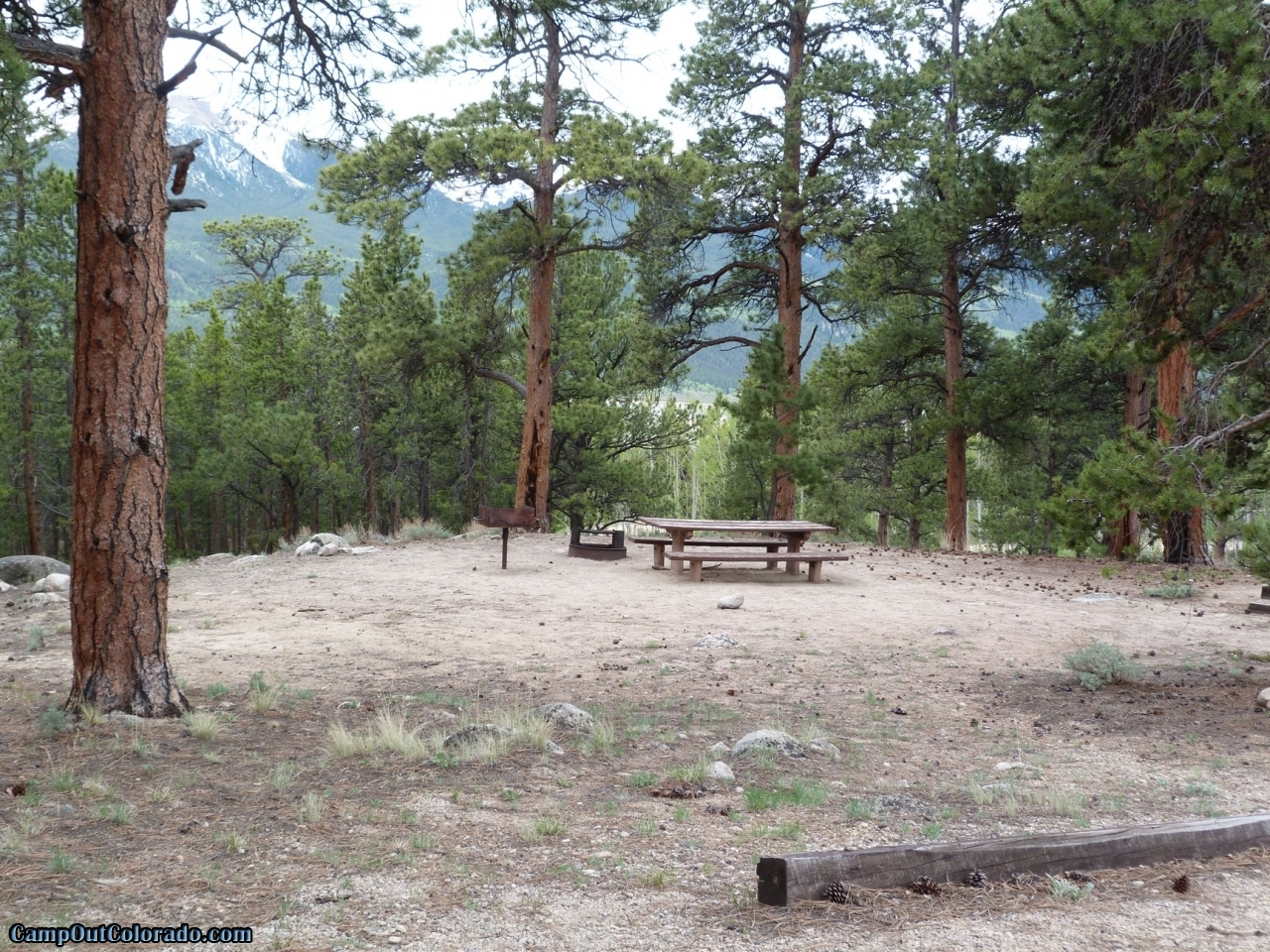 camp-out-colorado-lakeview-campground-campsite-overlook