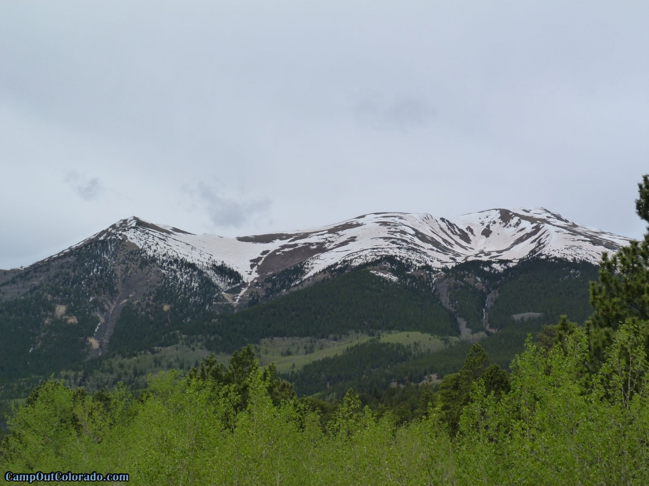 camp-out-colorado-lakeview-campground-mountain-range