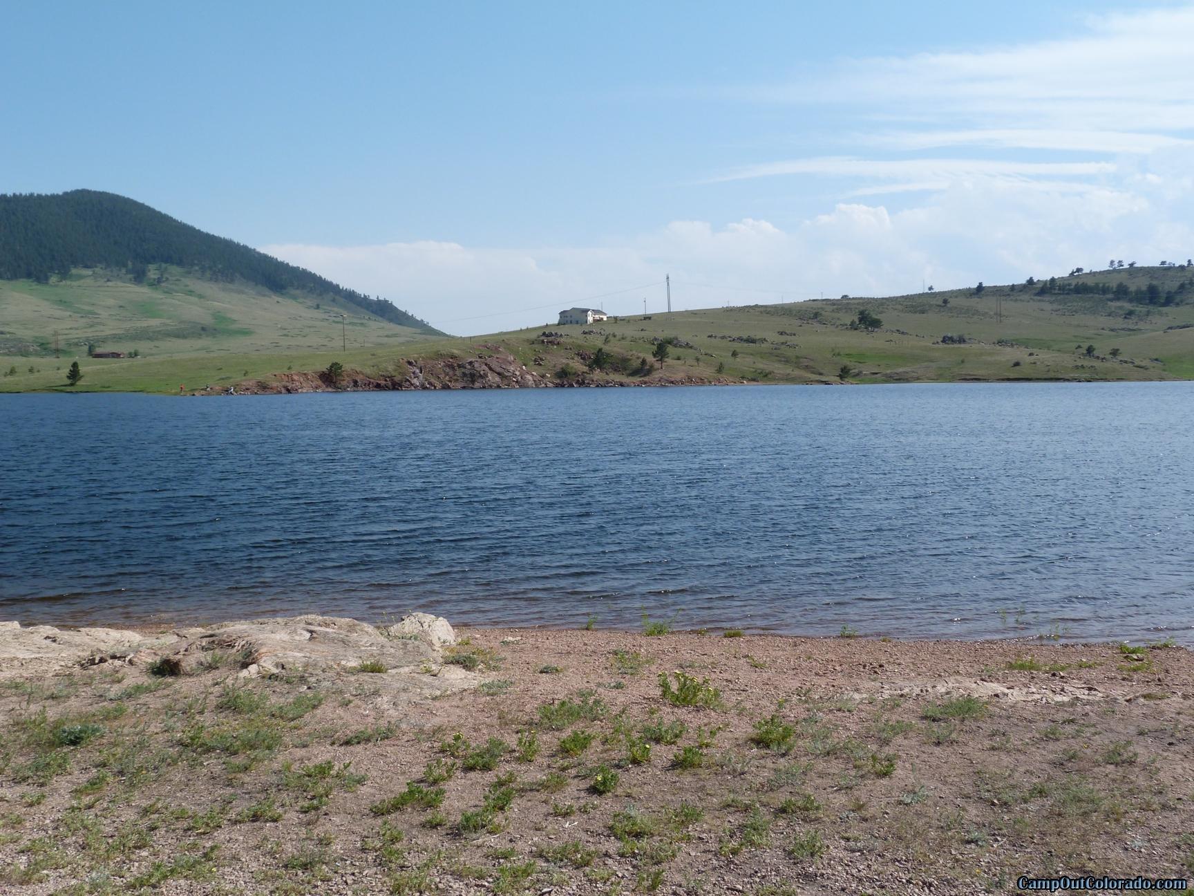camp-out-colorado-pinewood-mid-lake