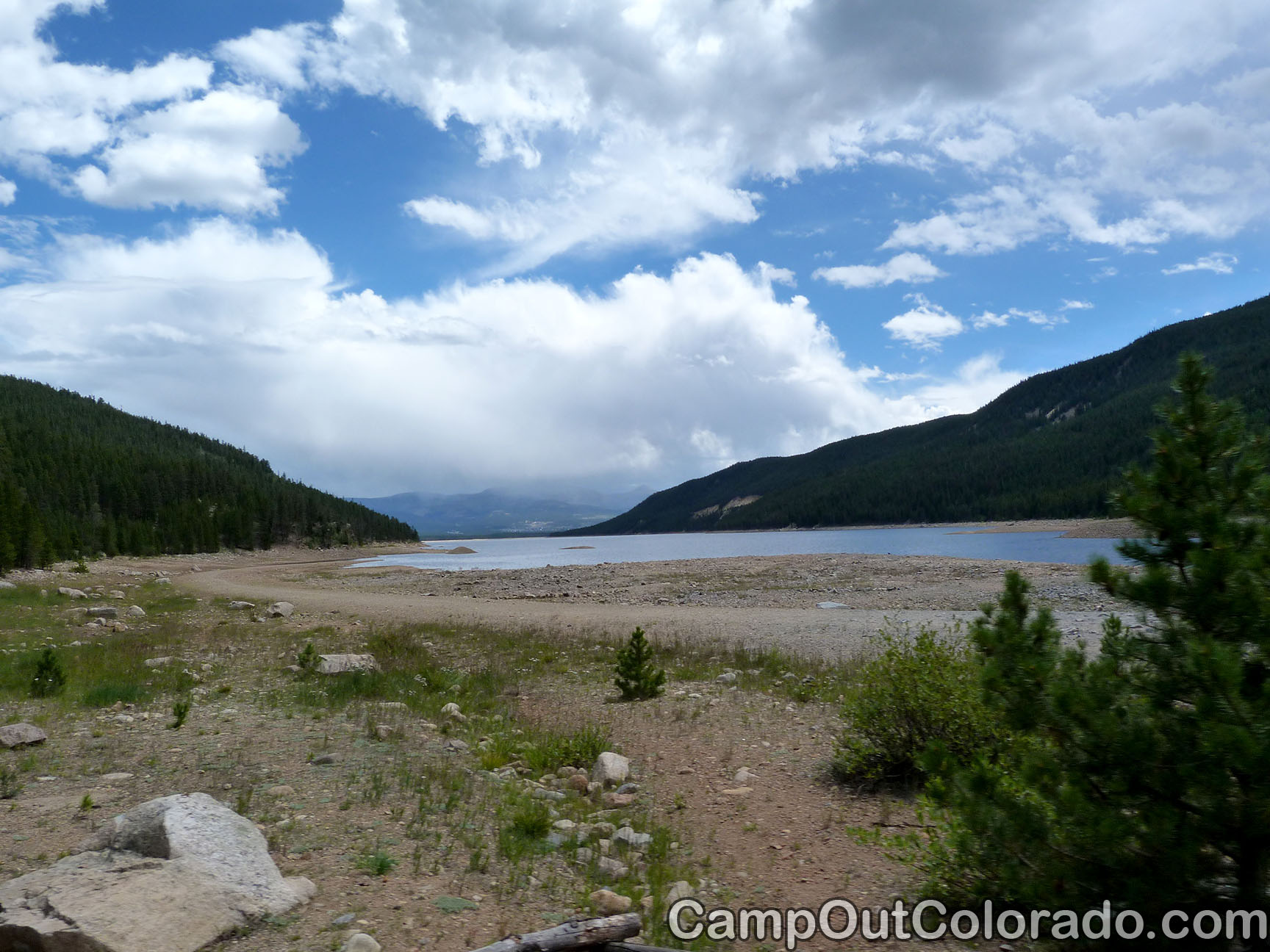 Camp-out-colorado-turquoise-lake-inlet-shore