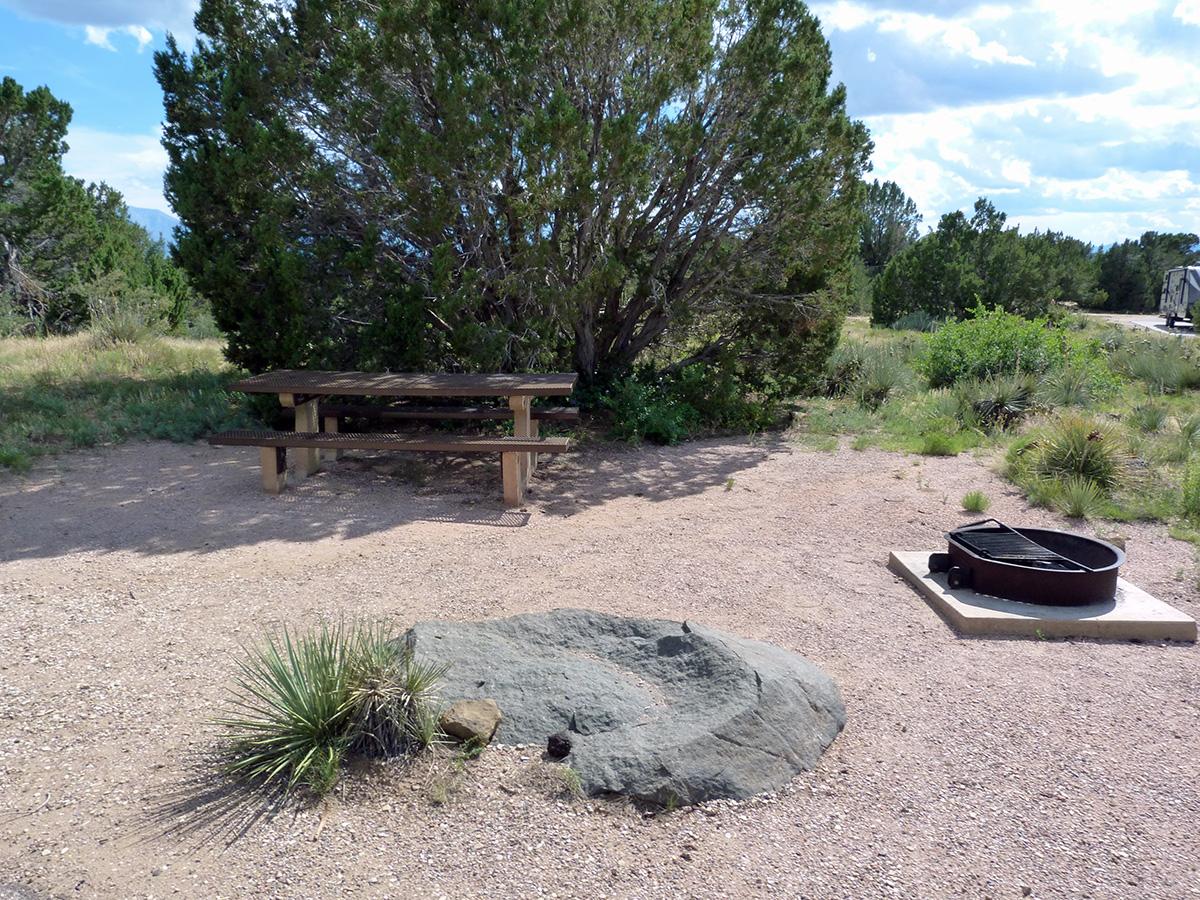 Campoutcolorado-lathrop-state-park-campground-campsite-rock