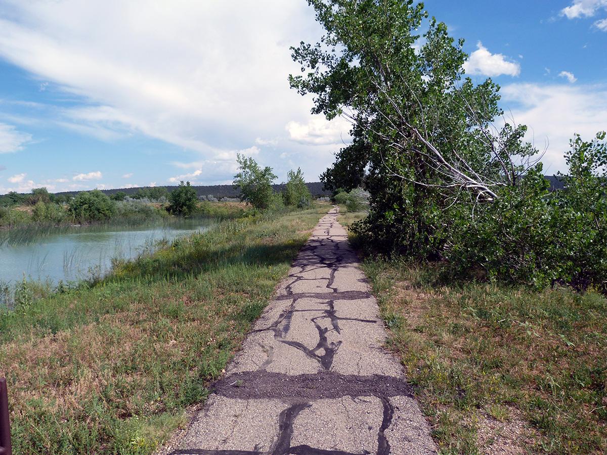 Campoutcolorado-lathrop-state-park-campground-lake-trail