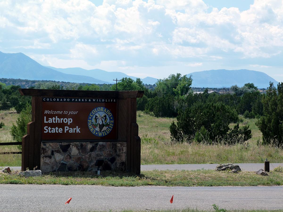 Campoutcolorado-lathrop-state-park-campground-sign