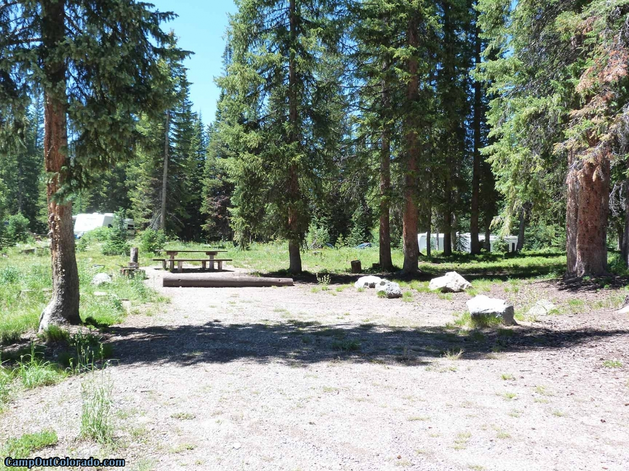 campoutcolorado-meadows-campground-rabbit-ears-campsite