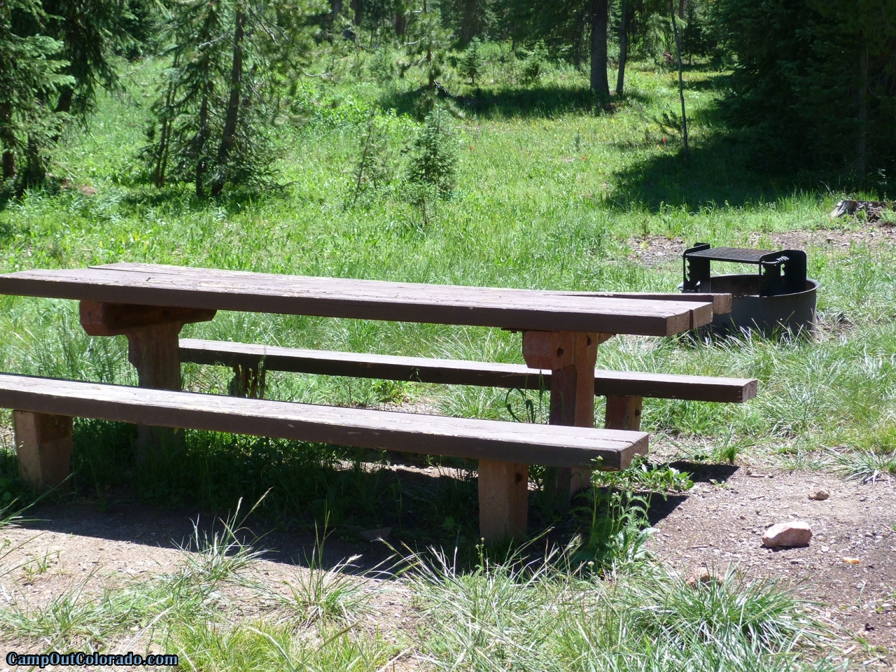campoutcolorado-meadows-campground-rabbit-ears-table-fire-pit