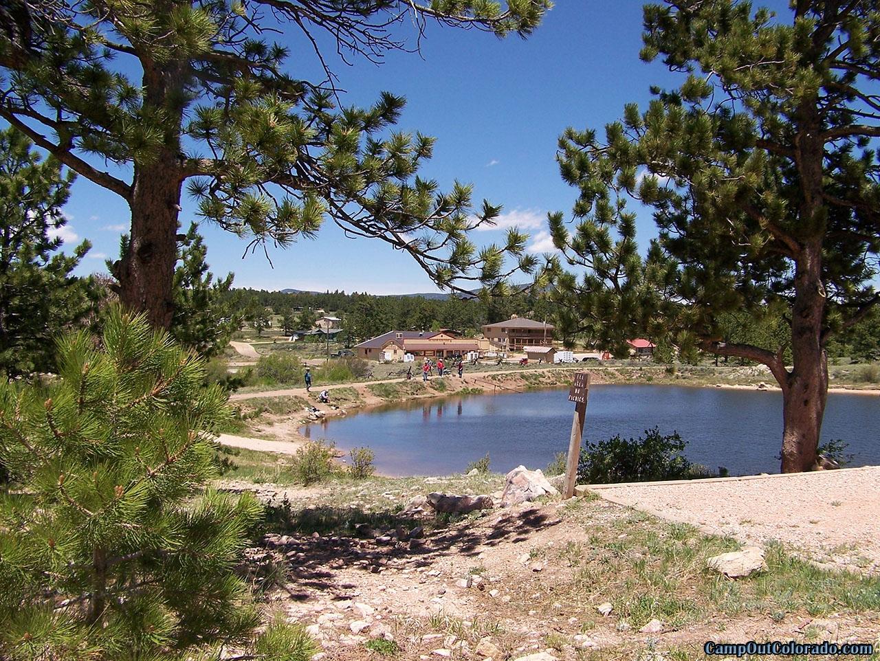 campoutcolorado-west-lake-dam-day-use-boat-ramp
