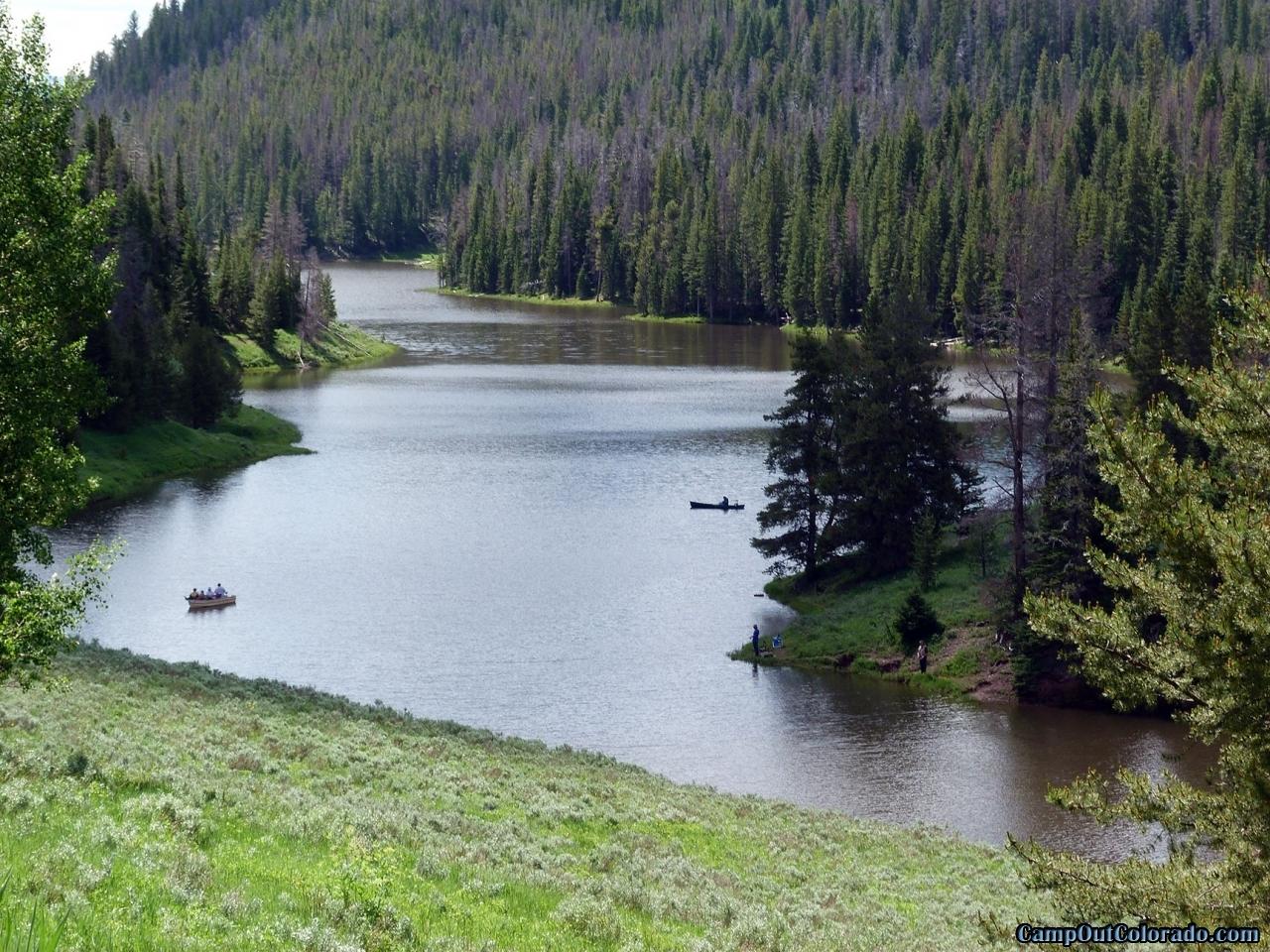 hahns-peak-lake-campground-length-of-lake