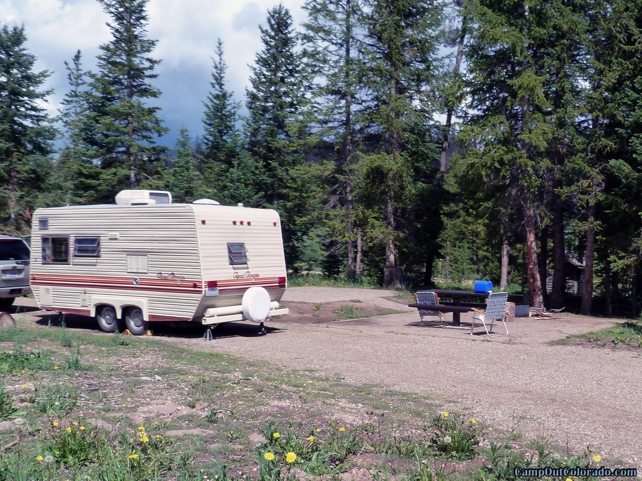 hahns-peak-lake-campground-pull-through-campsite