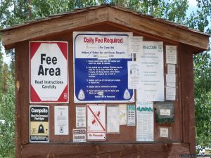 camp-out-colorado-bellaire-lake-sign