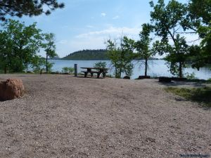 camp-out-colorado-carter-lake-next-to-water