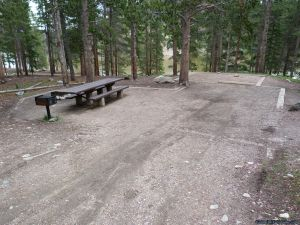 camp-out-colorado-chambers-lake-campground-well-groomed