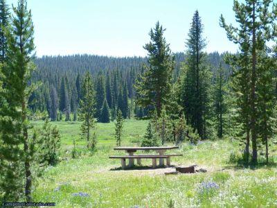 campoutcolorado-meadows-campground-rabbit-ears-open-campsite