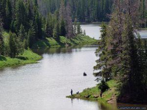 hahns-peak-lake-campground-meandering-lake