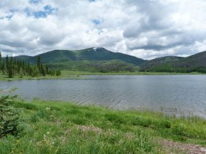 pearl-lake-state-park-campground-lake-side