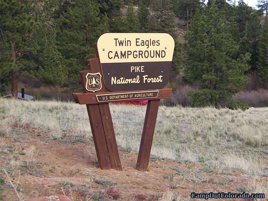 twin-eagle-trailhead-campground-sign